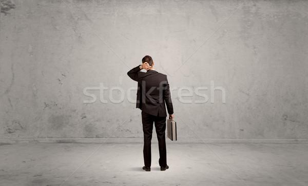 Stock fotó: üzletember · elveszett · üres · városi · űr · zavart