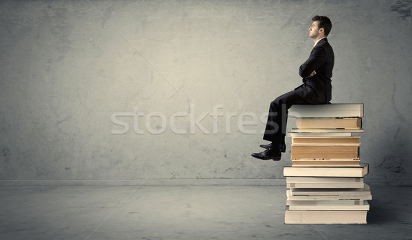 Studenten Sitzung Pfund ernst eleganten Stock foto © ra2studio