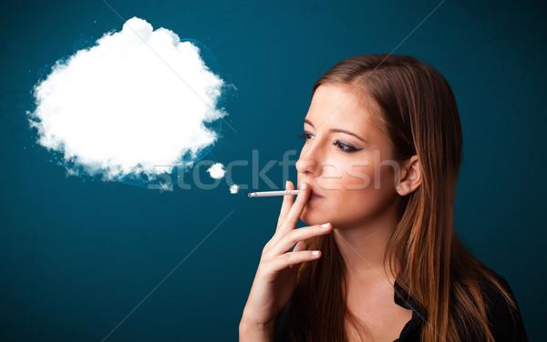 Stockfoto: Jonge · vrouw · roken · ongezond · sigaret · dicht · rook