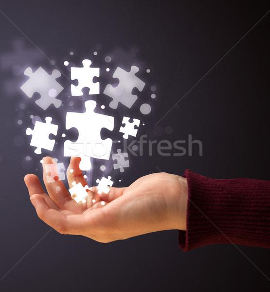 Puzzle parçaları el kadın iş Stok fotoğraf © ra2studio