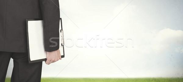 Stock fotó: üzletember · legelő · hát · üres · felhők · férfi