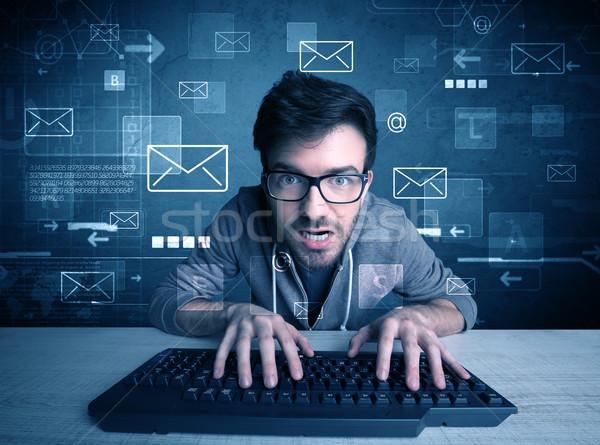 Сток-фото: нарушитель · электронная · почта · талантливый · молодые · хакер