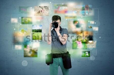 Fotógrafo fotos pasado jóvenes amateur profesional Foto stock © ra2studio