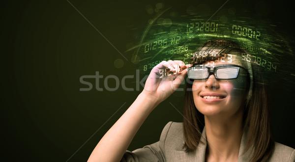 Zakenvrouw naar hoog tech aantal computer Stockfoto © ra2studio