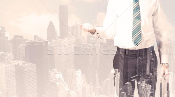 Knap zakenman stadsgezicht gebouw man stad Stockfoto © ra2studio