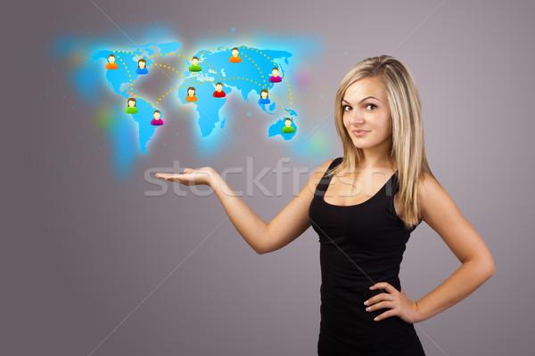 ストックフォト: 若い女性 · バーチャル · 地図 · 美しい · ビジネス
