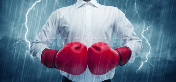 Zakenman boksen regen gevaarlijk verkoop persoon Stockfoto © ra2studio