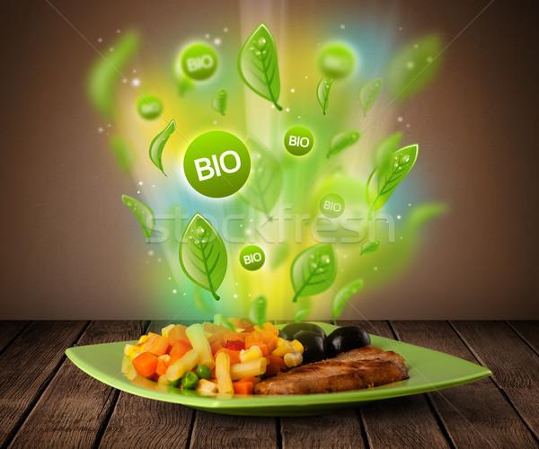 Gezonde bio groene plaat voedsel Stockfoto © ra2studio