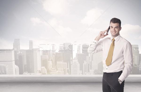 Verkoop persoon praten City Scape zakenman Stockfoto © ra2studio