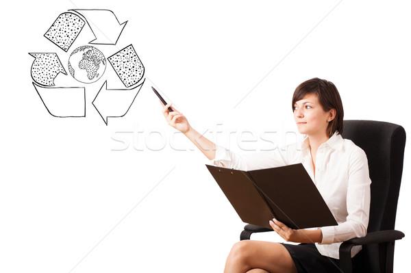 Foto stock: Mulher · jovem · reciclar · globo · isolado