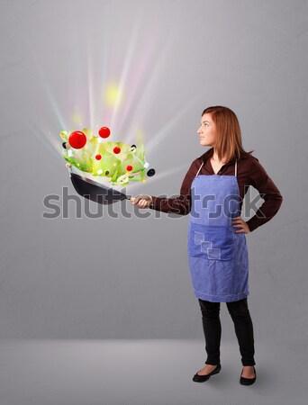 Photo stock: Jeune · femme · cuisson · légumes · frais · belle · résumé · lumières