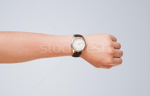 Hand horloge tonen nauwkeurig tijd moderne Stockfoto © ra2studio