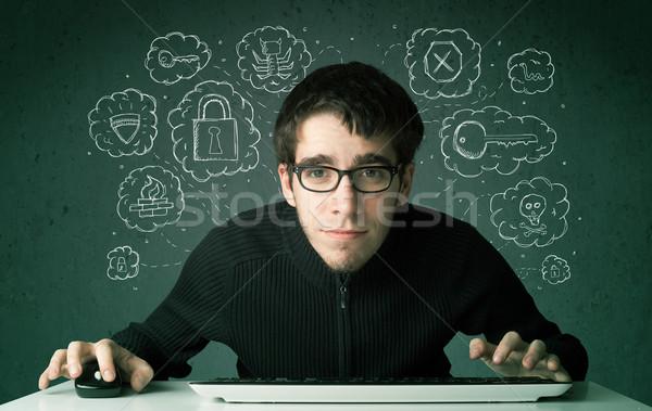Jeunes nerd virus piratage pensées Photo stock © ra2studio