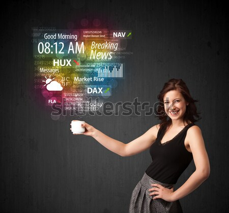 Kobieta interesu biały kubek codziennie wiadomości Zdjęcia stock © ra2studio