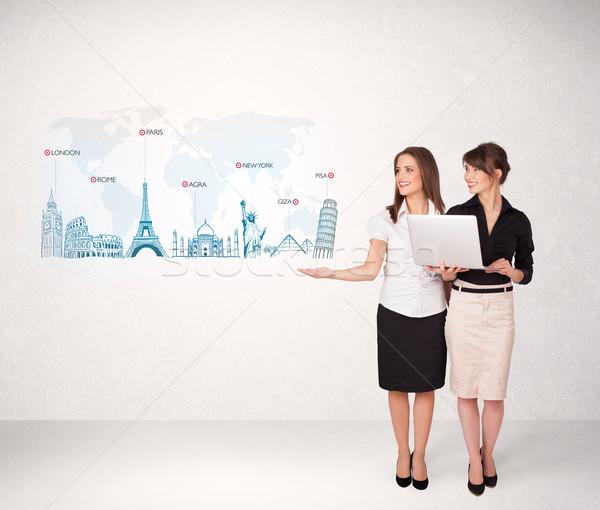 Mujer de negocios mapa famoso ciudades mano Foto stock © ra2studio