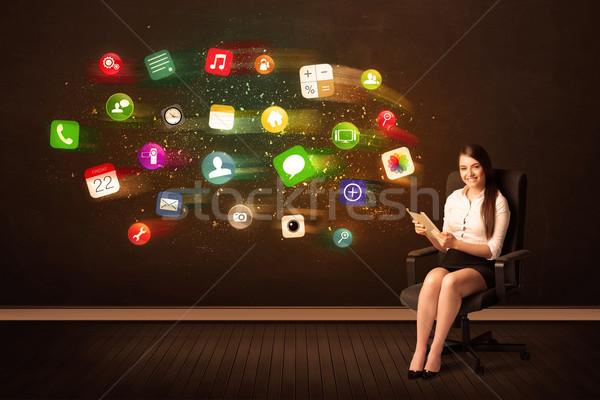 Iş kadını oturma ofis koltuğu tablet renkli uygulaması Stok fotoğraf © ra2studio