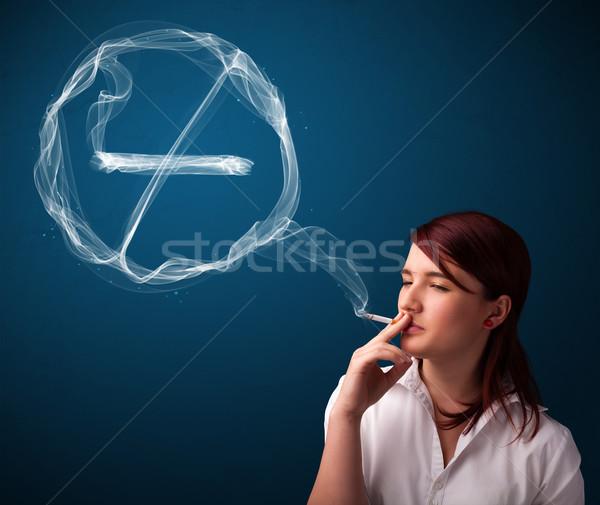 Stok fotoğraf: Genç · bayan · sigara · içme · sigara