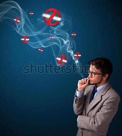 Stok fotoğraf: Genç · kadın · sigara · içme · tehlikeli · sigara · işaretleri