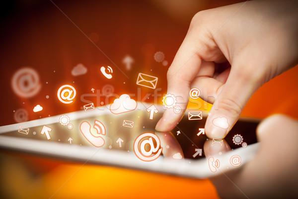 Stockfoto: Hand · aanraken · social · media · vinger · wijzend