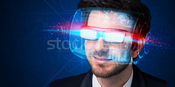 Man toekomst hoog tech smart bril Stockfoto © ra2studio