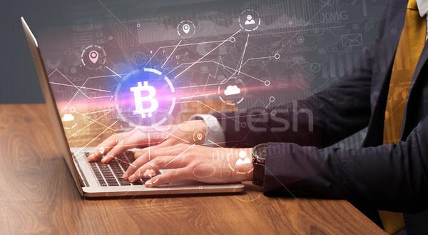 El global bitcoin değiştirme dizüstü bilgisayar Stok fotoğraf © ra2studio