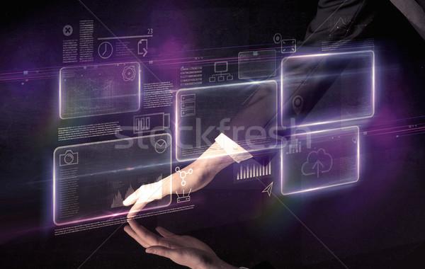 Stock fotó: Kezek · megérint · interaktív · asztal · férfi · lila