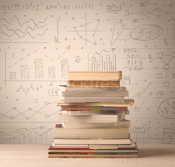 Kitaplar matematik formüller yazılı karalama Stok fotoğraf © ra2studio