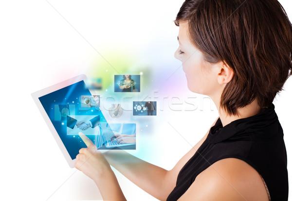 Сток-фото: фотографий · современных · таблетка · молодые · деловой · женщины