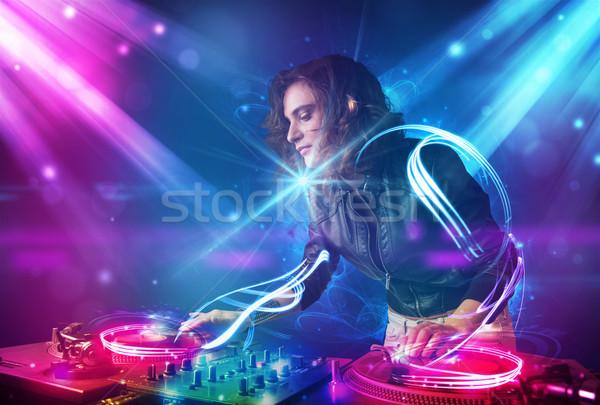 Energiek meisje muziek krachtig lichteffecten partij Stockfoto © ra2studio