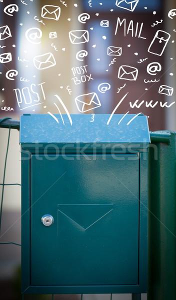 Foto stock: Caixa · de · correio · branco · e-mail · ícones · papel