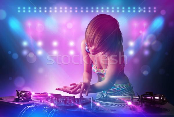 Disc-jockey musique platines stade lumières joli Photo stock © ra2studio