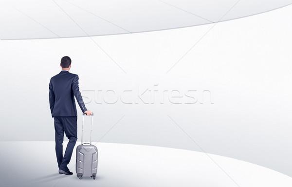 ビジネスマン スーツケース 徒歩 待合室 戻る 白 ストックフォト © ra2studio