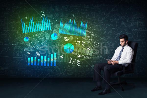 Zakenman bureaustoel tablet hand hoog tech Stockfoto © ra2studio