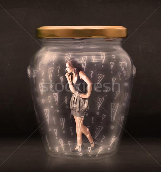 Femeie de afaceri prins borcan sticlă semna trist Imagine de stoc © ra2studio