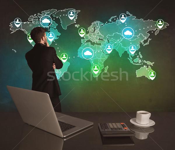 Vendedor desenho mapa do mundo escritório jovem negócio Foto stock © ra2studio