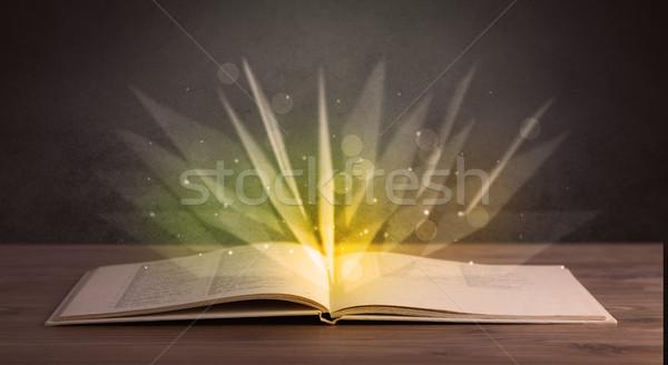 Amarillo luces libro libro abierto papel luz Foto stock © ra2studio