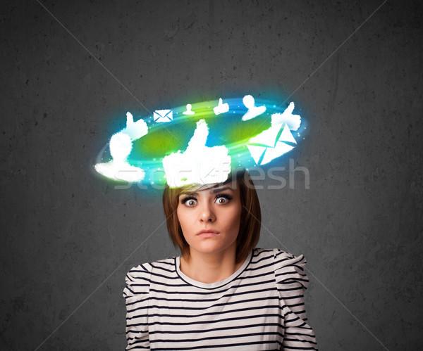 Jovem adolescente nuvem social ícones em torno de Foto stock © ra2studio