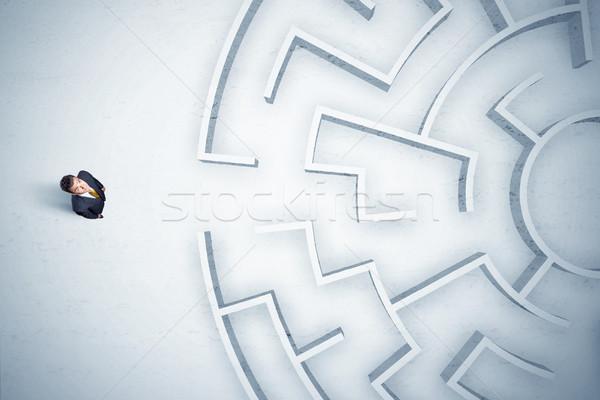 Homem de negócios olhando labirinto lugar nenhum estressante Foto stock © ra2studio