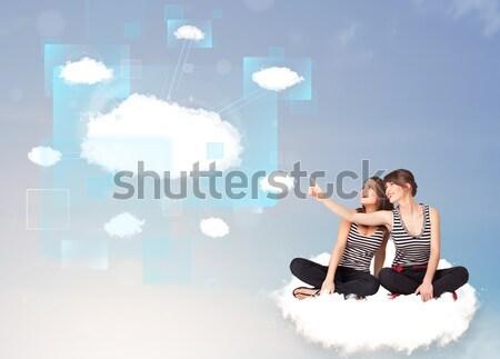 Gelukkig meisjes naar moderne cloud-netwerk jonge Stockfoto © ra2studio