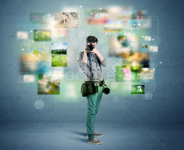 Fotograf zdjęcia przeszłość młodych amator zawodowych Zdjęcia stock © ra2studio