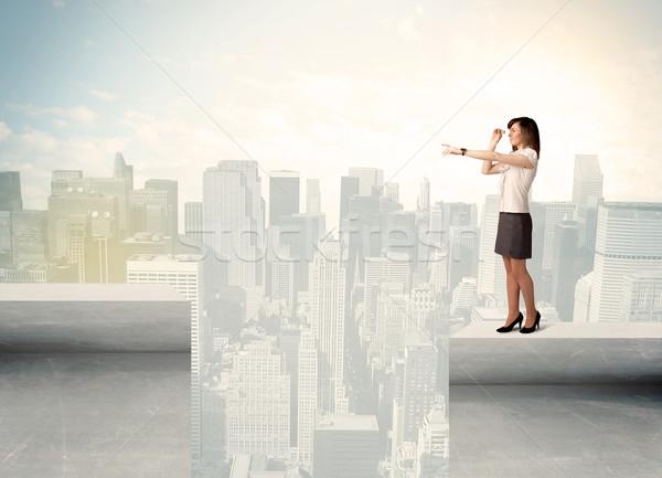 女性実業家 立って エッジ 屋上 市 ビジネス ストックフォト © ra2studio