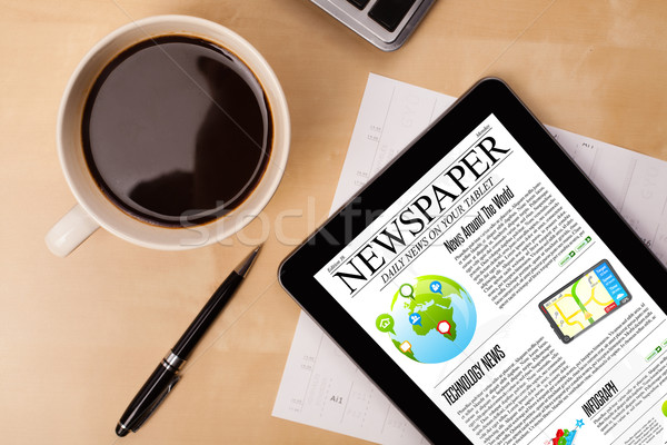 Noticias Screen taza café escritorio Foto stock © ra2studio