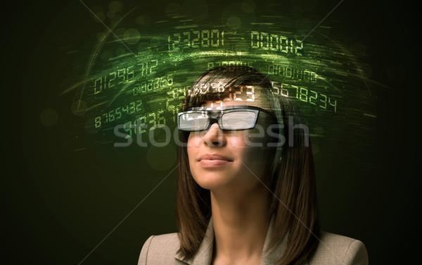Photo stock: Femme · d'affaires · regarder · élevé · tech · nombre · ordinateur