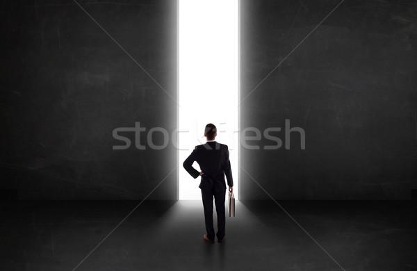 事業者 見える 壁 光 トンネル 開設 ストックフォト © ra2studio