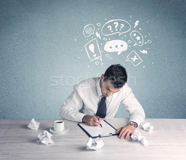 Twijfelen verward kantoormedewerker moeite Stockfoto © ra2studio