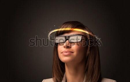 Zdjęcia stock: Pretty · woman · patrząc · futurystyczny · wysoki · tech · okulary