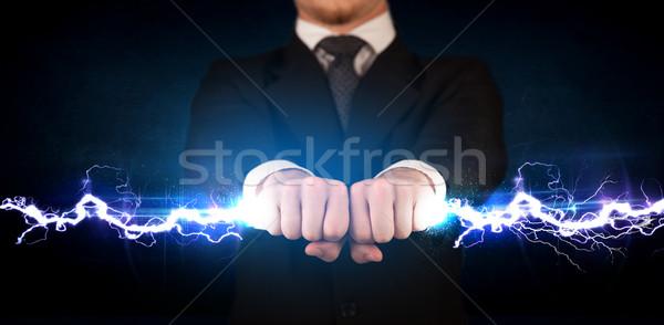 Foto stock: Homem · de · negócios · eletricidade · luz · parafuso · mãos