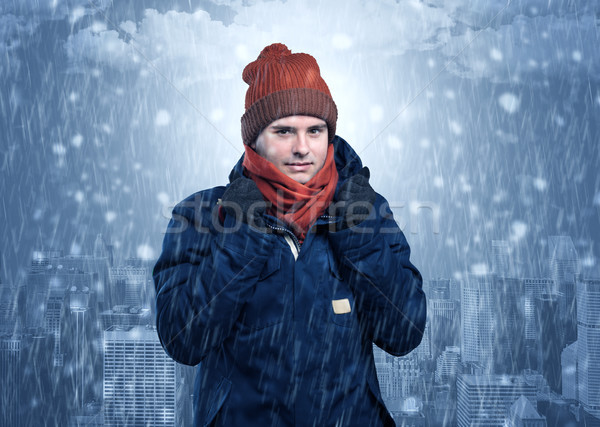 Nino frío tiempo ciudad joven ropa de abrigo Foto stock © ra2studio