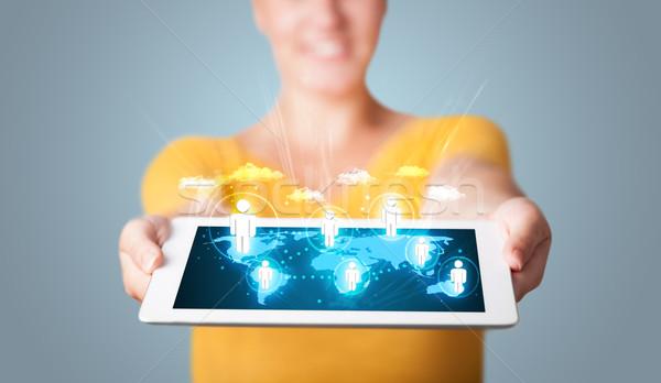 Stockfoto: Mooie · vrouw · moderne · tablet · sociale · iconen