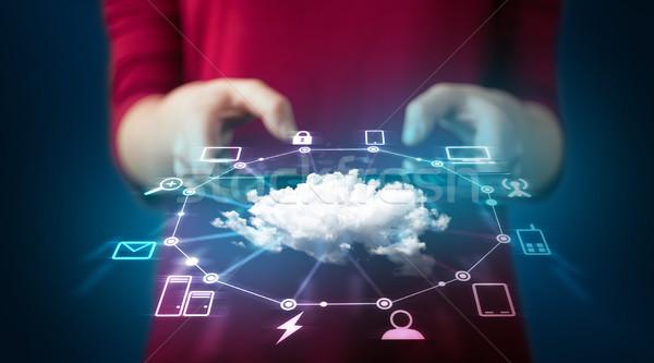 Hand tablet cloud-netwerk technologie Stockfoto © ra2studio